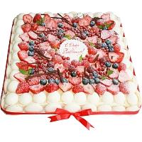 Квадратный ягодный с Днем рождения